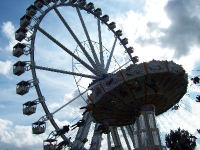 Riesenrad & Karussell